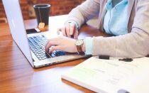 Почему не заряжается ноутбук когда он включен в сеть